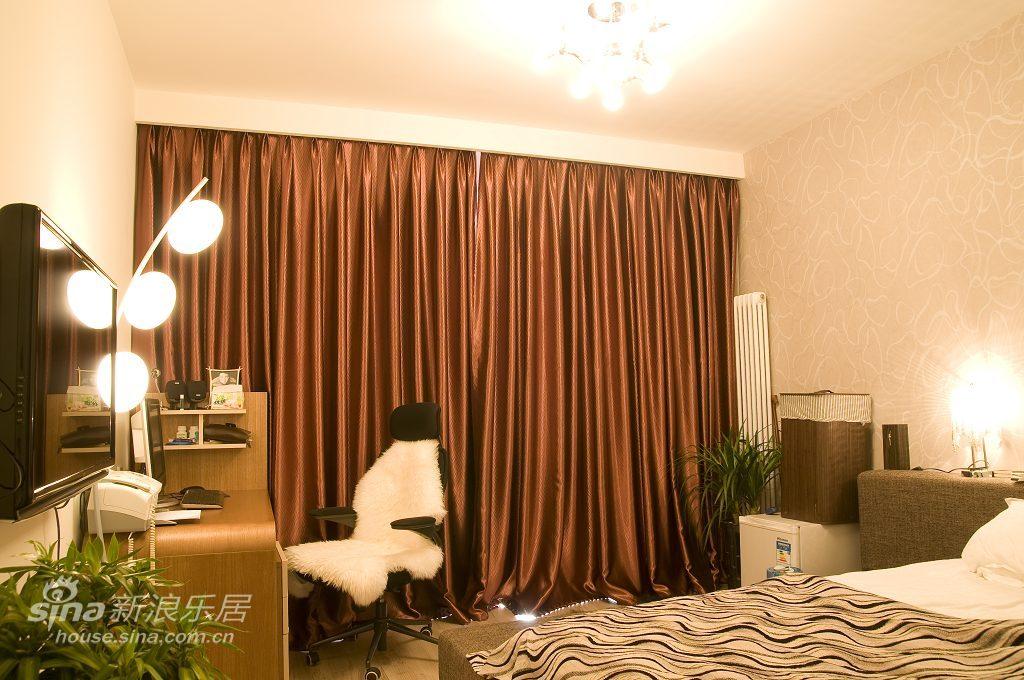 简约 三居 卧室图片来自用户2737786973在简约的曲线定义10的分享