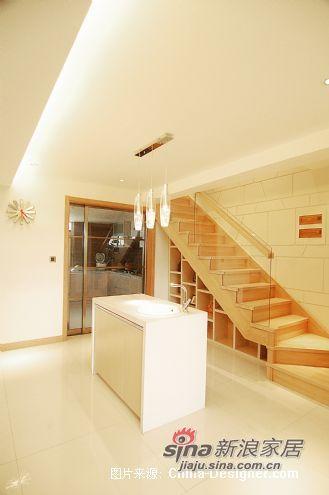 欧式 跃层 楼梯图片来自用户2745758987在三代同堂15万装250平温情欧式跃层73的分享