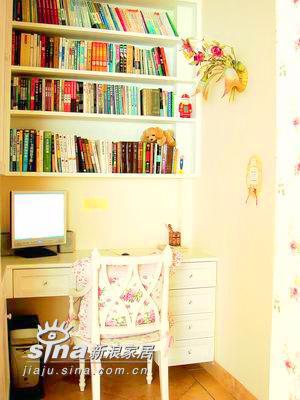 简约 一居 书房图片来自用户2737782783在45平米单身女人的完美空间73的分享