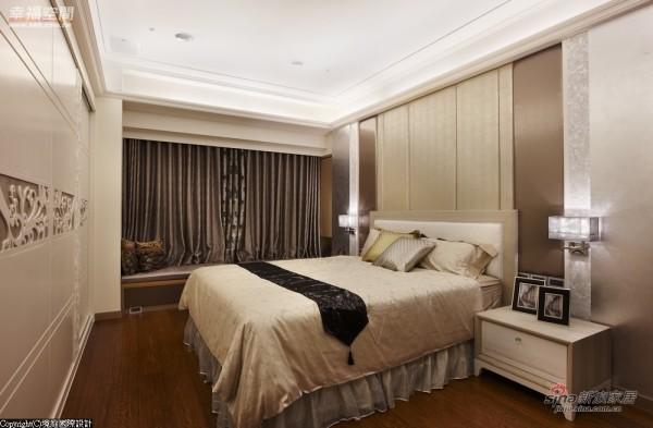 细腻处,床头灯的开关配置选用两边分开设计