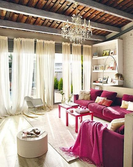 白色+玫红色,这个阳光房太喜欢了~~女人味十足啊。