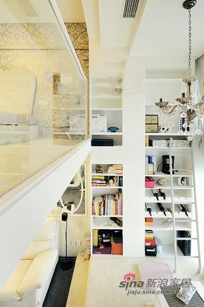欧式 公寓 楼梯图片来自用户2772856065在30平迷你奢华复式公寓 各种收纳暗藏玄机28的分享
