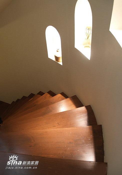 其他 复式 楼梯图片来自用户2558746857在300平复式极致华丽(2)50的分享