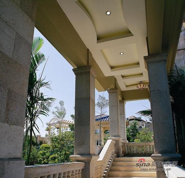 欧式 别墅 客厅图片来自用户2746953981在传统融合现代 凤凰城别墅93的分享