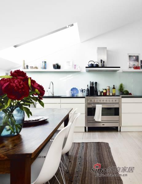 简约 三居 厨房图片来自用户2557979841在海归女12万装100平异域风情三居53的分享