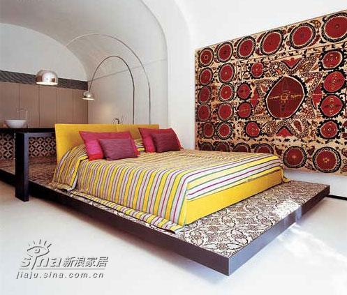 欧式 别墅 卧室图片来自用户2746948411在意大利滨水别墅室内设计 享受极致生活48的分享