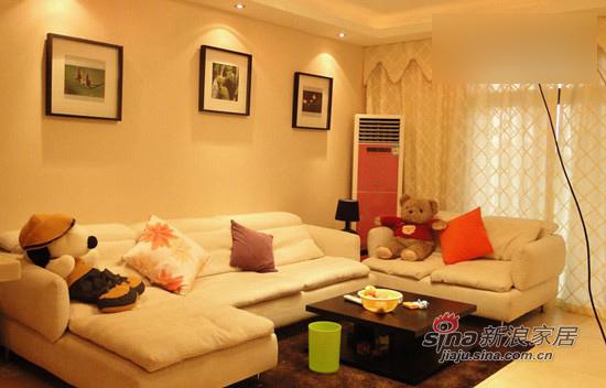 简约 二居 客厅图片来自用户2739081033在7万打造98平暖系时尚白领的家87的分享