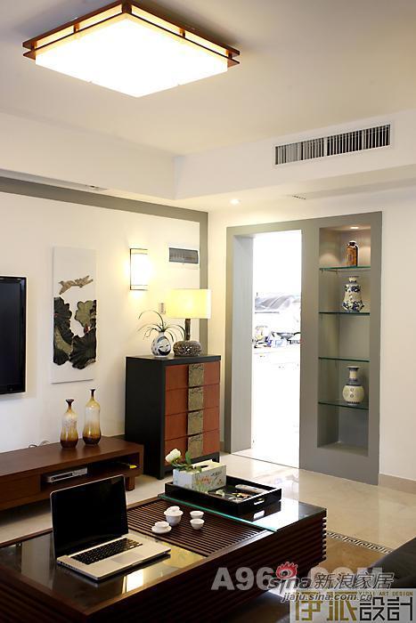 中式 一居 客厅图片来自用户1907696363在中国风的优雅设计营造闲适心情82的分享