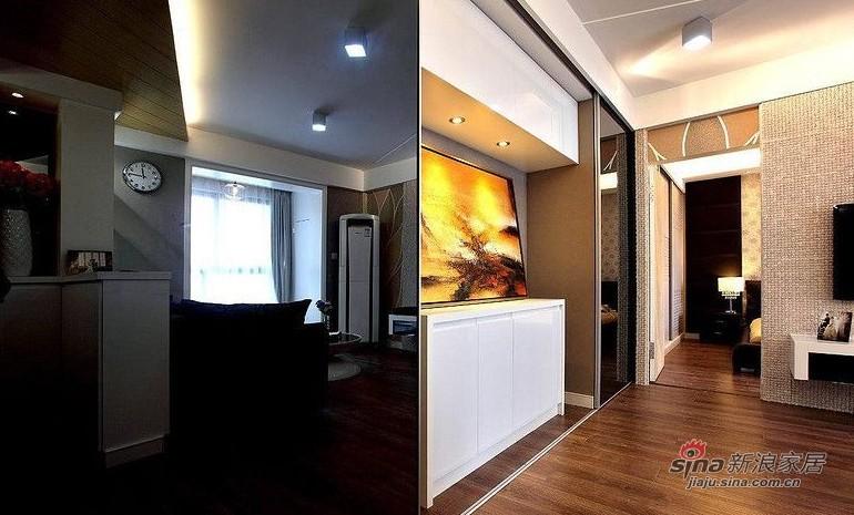 欧式 二居 玄关图片来自用户2745758987在爱人18万装86平黑白低奢华婚房14的分享