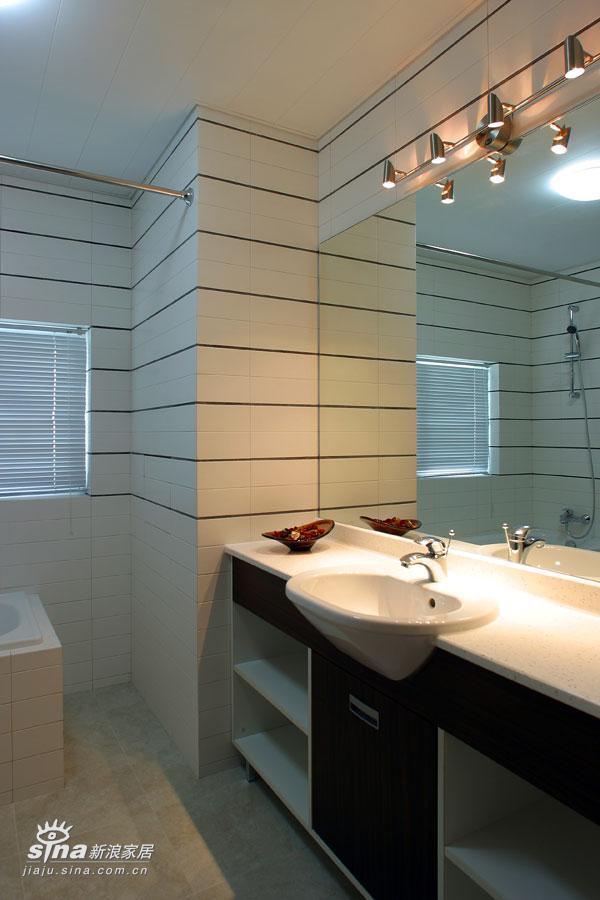 简约 四居 卫生间图片来自用户2737786973在舒适享受46的分享