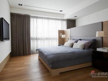 6.3万翻新105平米黑白灰简约两居室66