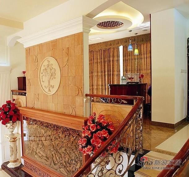 欧式 别墅 楼梯图片来自用户2746953981在传统融合现代 凤凰城别墅93的分享
