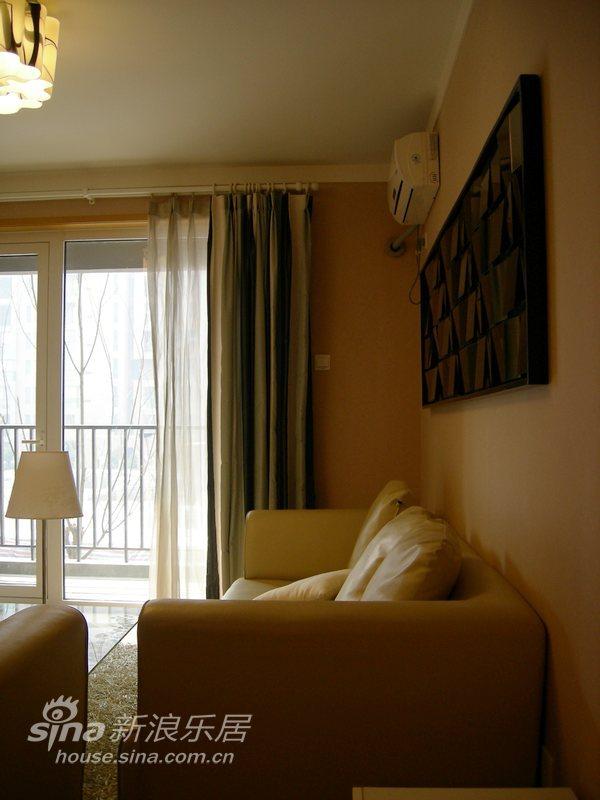 简约 二居 客厅图片来自用户2738820801在牛奶咖啡情调两居60的分享