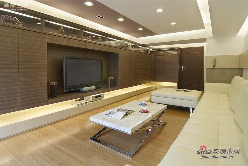 简约 三居 客厅图片来自幸福空间在132平简约不简单的现代时尚3居57的分享