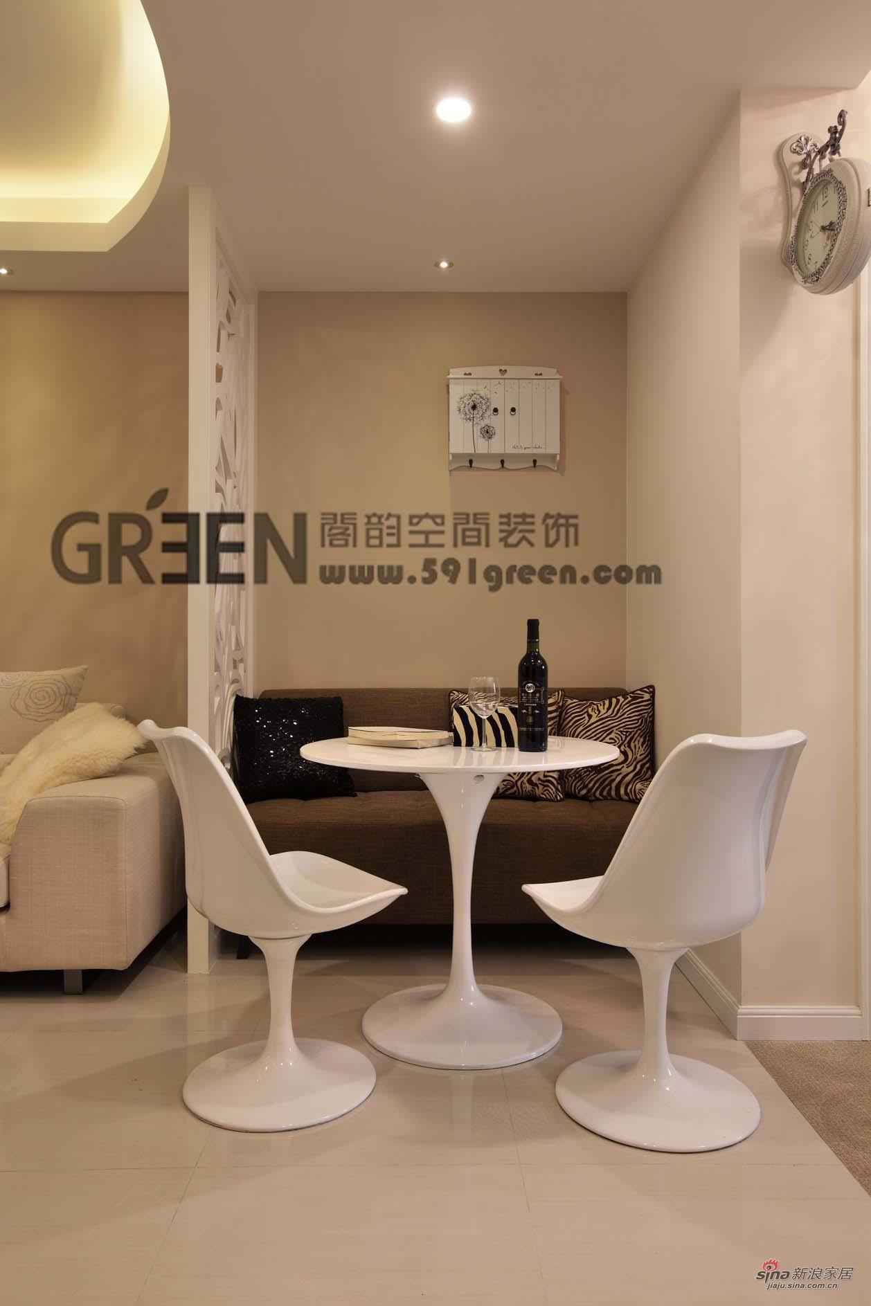 简约 二居 餐厅图片来自阁韵空间装饰在【高清】神奇!82平柔风异彩美居55的分享