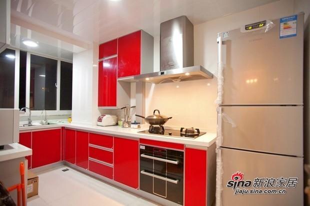 简约 二居 厨房图片来自用户2738820801在90平清新爽朗亮色3居温馨爱家86的分享