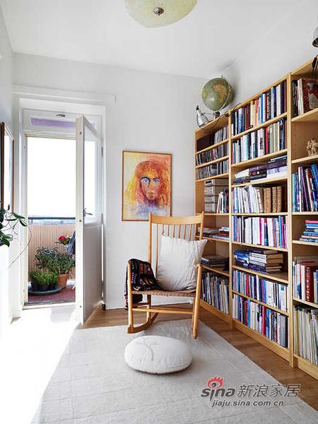 简约 二居 书房图片来自用户2745807237在森林风 62平米干净舒适的优雅单身公寓30的分享
