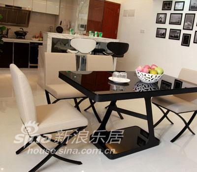 简约 二居 客厅图片来自用户2739081033在80后装修风格 现代时尚的家居77的分享