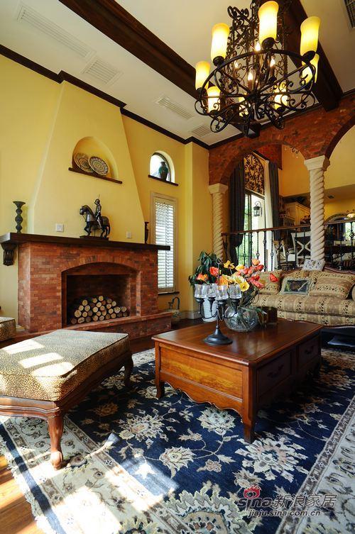 美式 别墅 客厅图片来自用户1907685403在美式乡村风格别墅案例41的分享