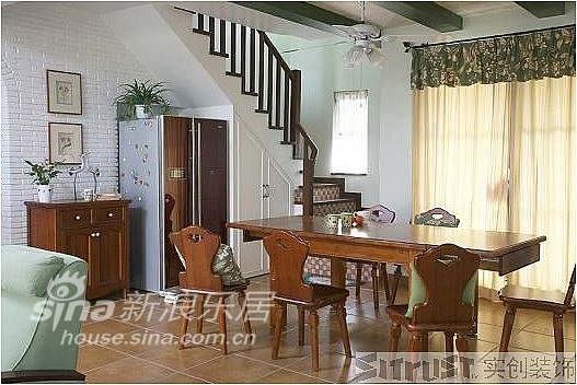简约 复式 客厅图片来自用户2738093703在实景田园实用型爱家80的分享