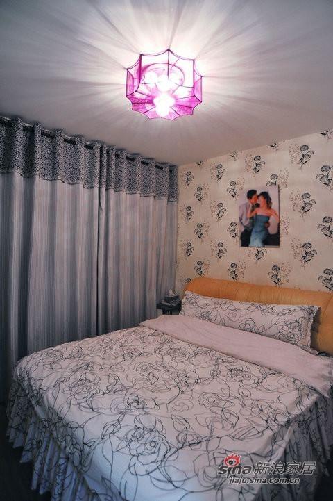 简约 三居 客厅图片来自用户2739081033在波普艺术的跃动旋律82的分享