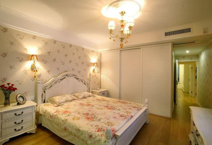 欧式 三居 卧室图片来自用户2746953981在13万打造80后夫妻145平精致奢华三居39的分享