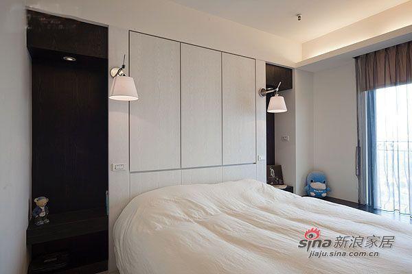 简约 三居 卧室图片来自用户2737786973在4.8万95平厅时尚简约3房2厅15的分享