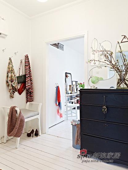 简约 一居 客厅图片来自用户2738813661在靓丽的单身小户56的分享