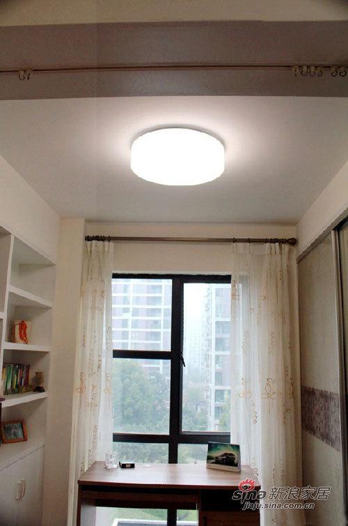 简约 三居 书房图片来自用户2558728947在7万轻松搞定105平米简约3室2厅85的分享