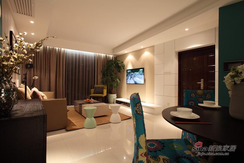 现代 二居 客厅图片来自装修微日记在【高清】小夫妻94平现代时尚前卫居68的分享