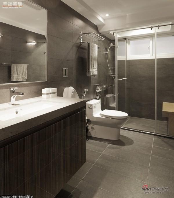 卫浴空间,贴心于淋浴区设座椅