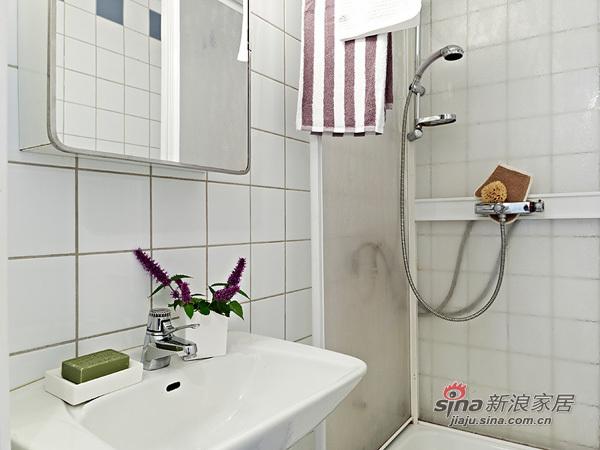 简约 一居 卫生间图片来自用户2739081033在阳光女孩4万装扮31平单身公寓47的分享
