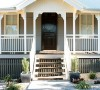 房子位于阳光明媚澳大利亚的布里斯班。