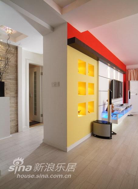 简约 二居 客厅图片来自用户2737735823在被多彩左右的婚房72的分享