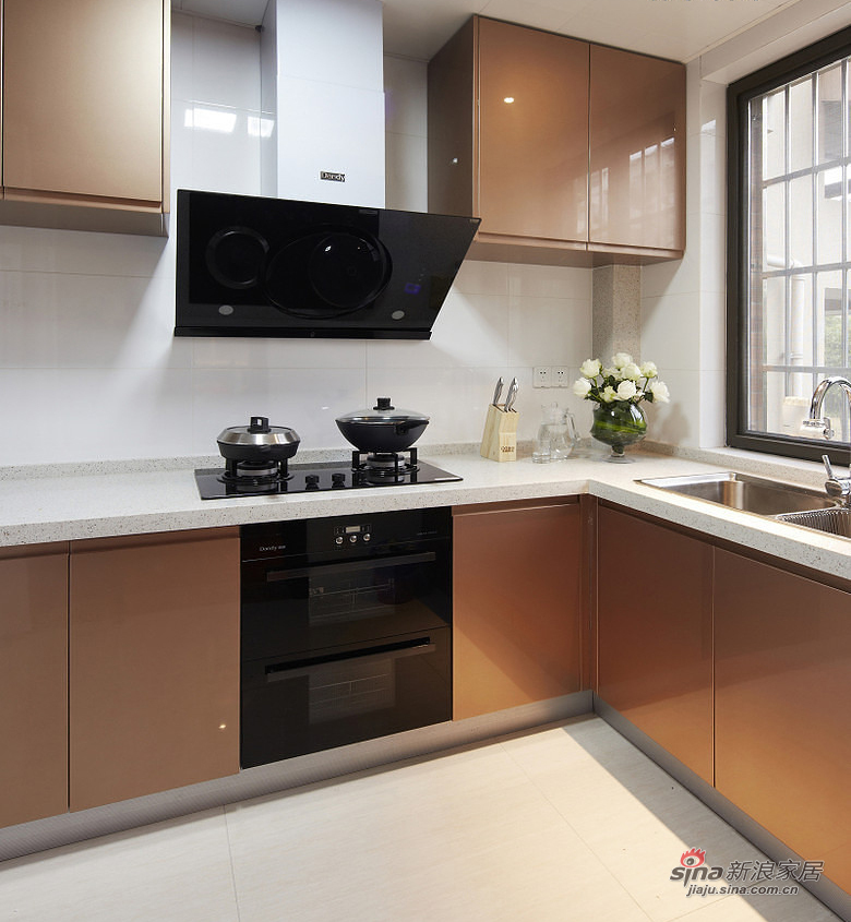 港式 二居 厨房 80后 白领图片来自用户1907650565在【高清】86平现代港式风情两居室44的分享
