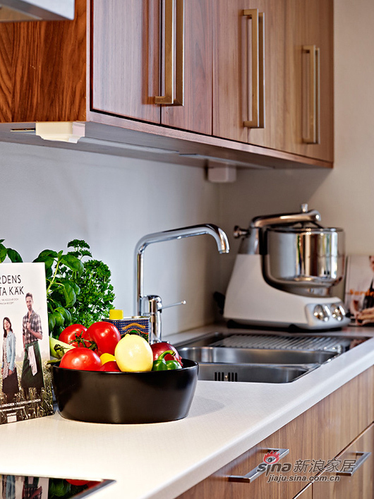 北欧 一居 厨房图片来自用户1903515612在80后小夫妻85平北欧风简约温馨家39的分享