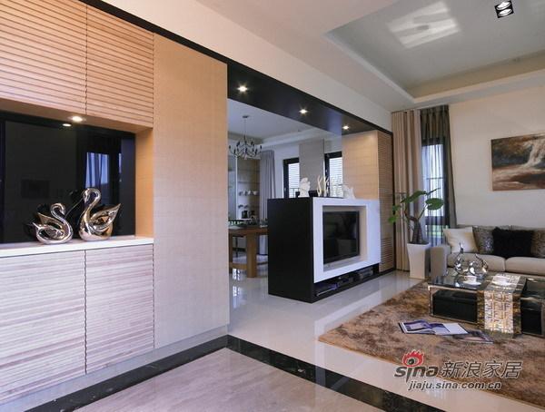 欧式 三居 客厅图片来自用户2757317061在【多图】21万打造160平现代简约混搭美家33的分享