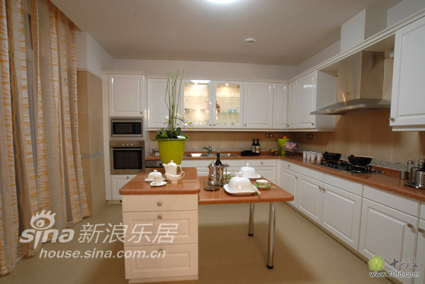 欧式 别墅 厨房图片来自用户2557013183在黄昏的诗人33的分享