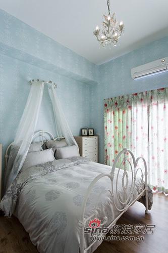 简约 一居 卧室图片来自用户2745807237在巧设计征服50平畸形小空间38的分享