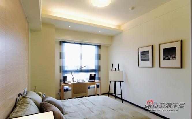 简约 三居 卧室图片来自用户2737759857在10万装时尚122平暖色三居88的分享