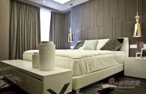 港式 三居 卧室 白领 温馨图片来自佰辰生活装饰在白领夫妻90平后现代时尚婚房91的分享