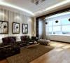 水晶吊灯、条纹壁纸等,赋予空间流线型艺术感。沙发背景墙上悬挂艺术画,增添时尚气息。