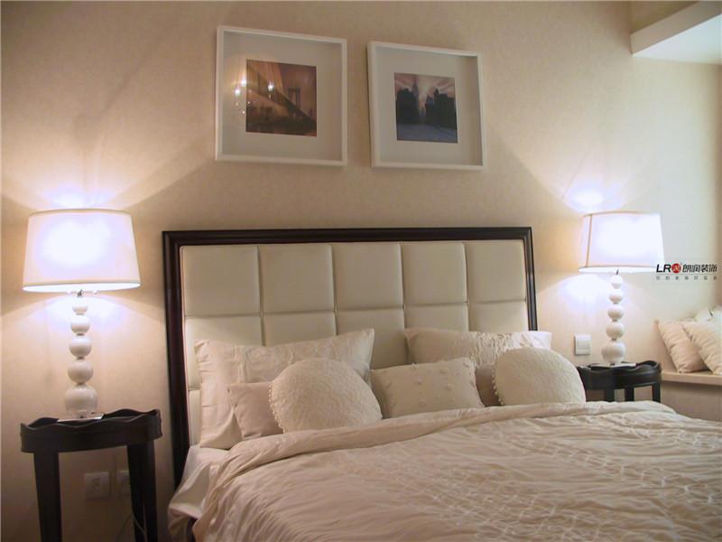 卧室图片来自朗润装饰工程有限公司在86平米色温馨浪漫小居室的分享