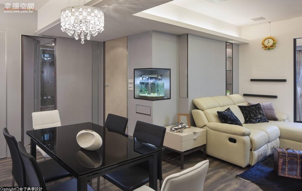旧房改造 时尚 木地板 二居 当代 现代 混搭 收纳 客厅图片来自幸福空间在真实体验70m²幸福温度的分享