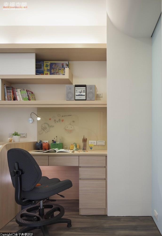 旧房改造 时尚 木地板 二居 当代 现代 混搭 收纳 儿童房图片来自幸福空间在真实体验70m²幸福温度的分享