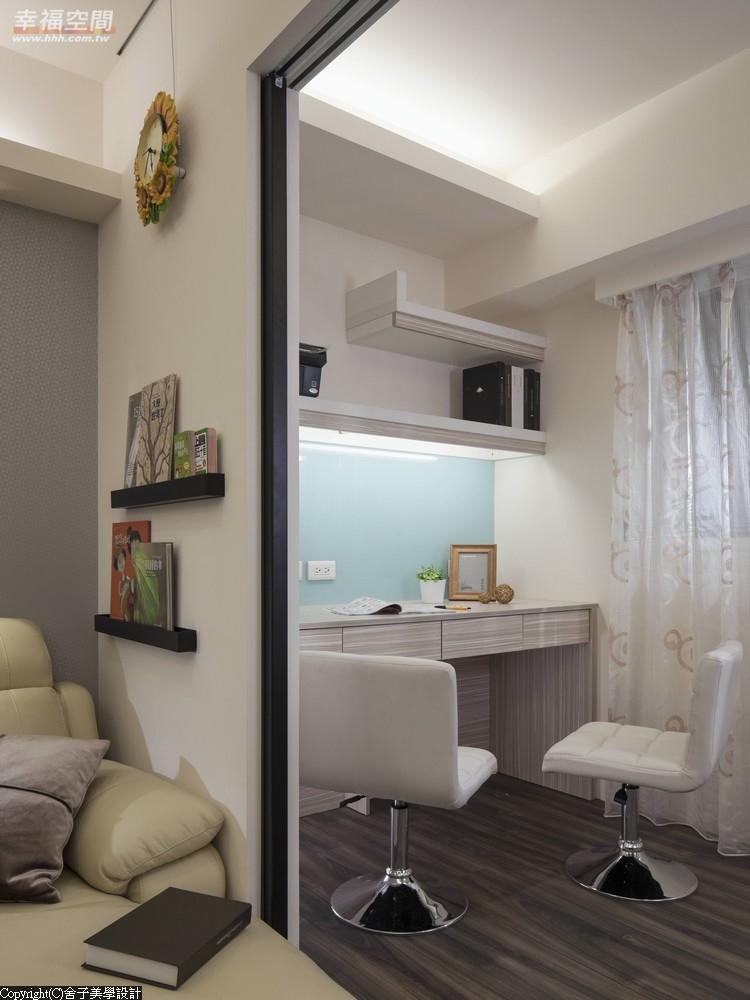 旧房改造 时尚 木地板 二居 当代 现代 混搭 收纳 书房图片来自幸福空间在真实体验70m²幸福温度的分享