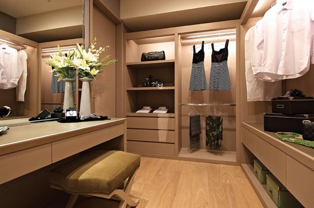 简约 欧式 衣帽间图片来自业之峰装饰旗舰店在简欧风格高端奢华的居住空间的分享
