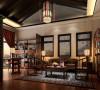 棕色的太师椅、胡桃木的窗棂,古色古香的摆设使之带来一份文化的意蕴,