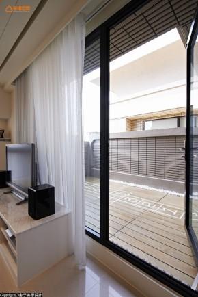 新古典 美式 女孩 三居 收纳 白领 阳台图片来自幸福空间在美式轻古典135平感动空间故事的分享