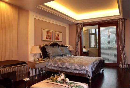 深棕色与白色的搭配,往往都是经典品质的体现,这款卧室便呈现出一个完美的效果,没有华丽的感觉,却隐约透漏着一丝大气。